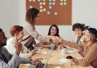 Pandemia del COVID-19 está afectando las bases del trabajo en equipo